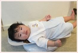 赤ちゃん体重測定